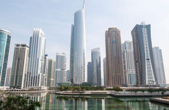 Créer une société à Dubaï en surfant sur LE dynamisme touristique de l'Émirat ?