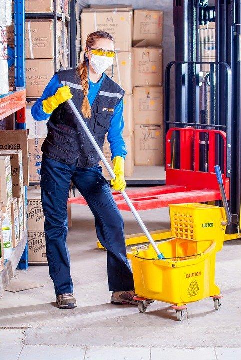 Faites appel à un professionnel pour nettoyer votre entreprise